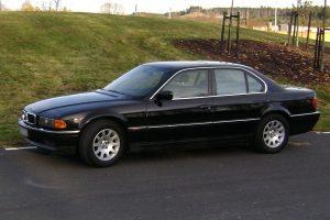 BMW-740i-(E38)-6